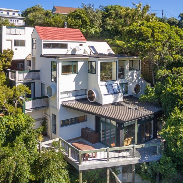 UNIQUE ARCHITECTURAL OASIS – 74 Ranui Crescent, Khandallah­, Wellington