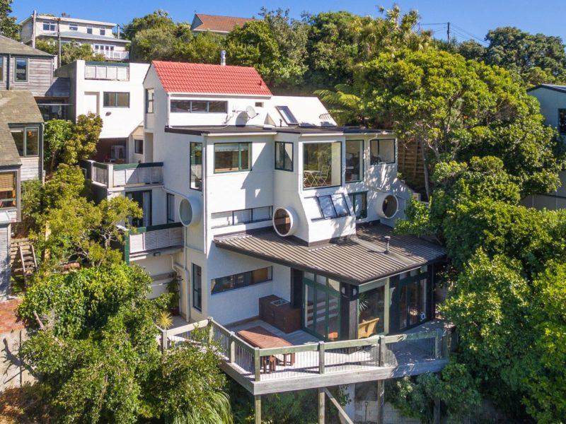 UNIQUE ARCHITECTURAL OASIS – 74 Ranui Crescent, Khandallah, Wellington