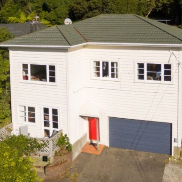 FANTASTIC SUN, VIEWS & POTENTIAL – 48 Richmond Avenue, Karori