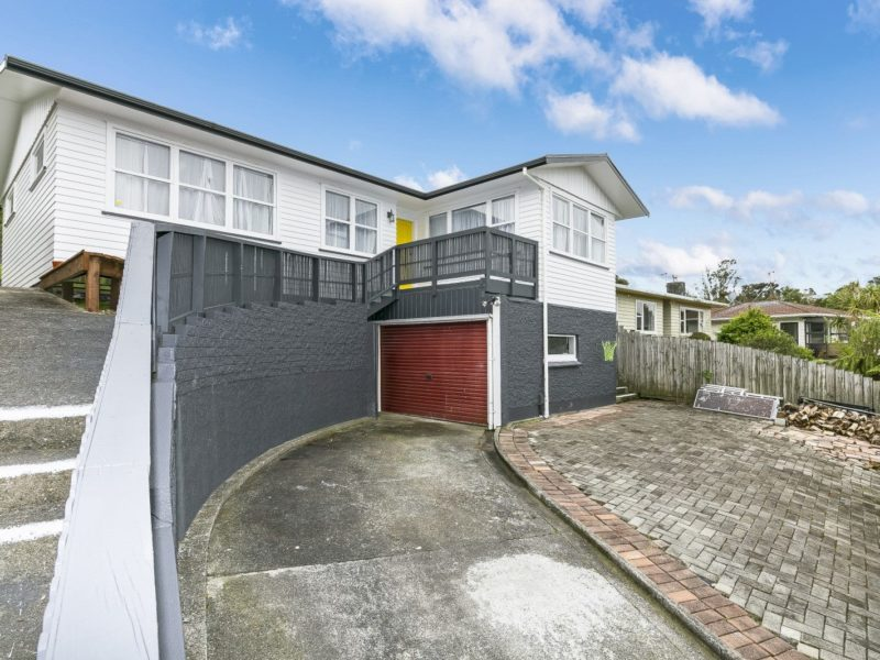 SUPERB 1960's STARTER – 8 Bellringer Crescent, Newlands