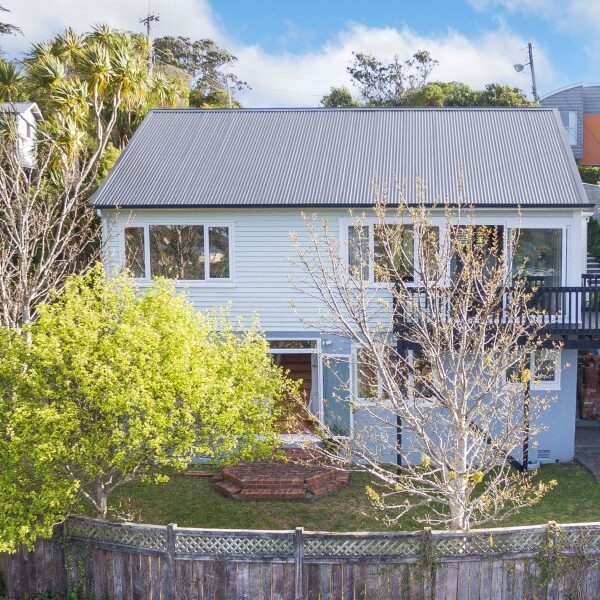 Beautifully Renovated Top to Bottom – 238 Cockayne Road, Ngaio